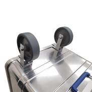 Wheel set for stackable aluminium boxes
