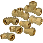 Compression fitting with brass ring for PE-pipes
